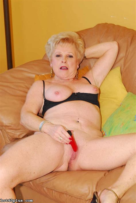 champagne sexy flirty grandma pichunter