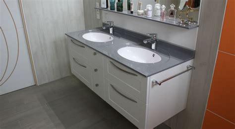 plan travail cuisine meuble suspendu vasque en solid surface