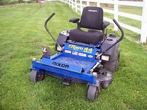 2005 Dixon Ram 44 Mag Commercial Zero Turn Lawn Mower