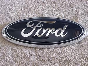 New Ford Grille Emblem F150 F250 F350 F450 Oem Aa8z