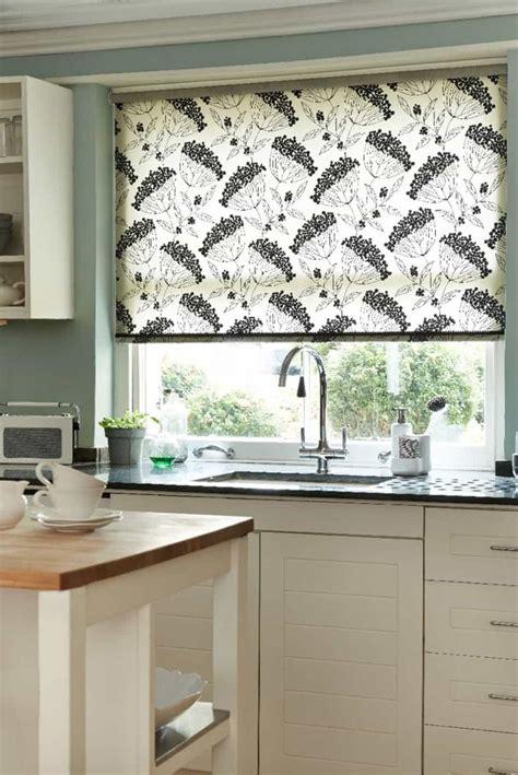 Kitchen Blinds by Best 25 Kitchen Blinds Ideas On Kitchen