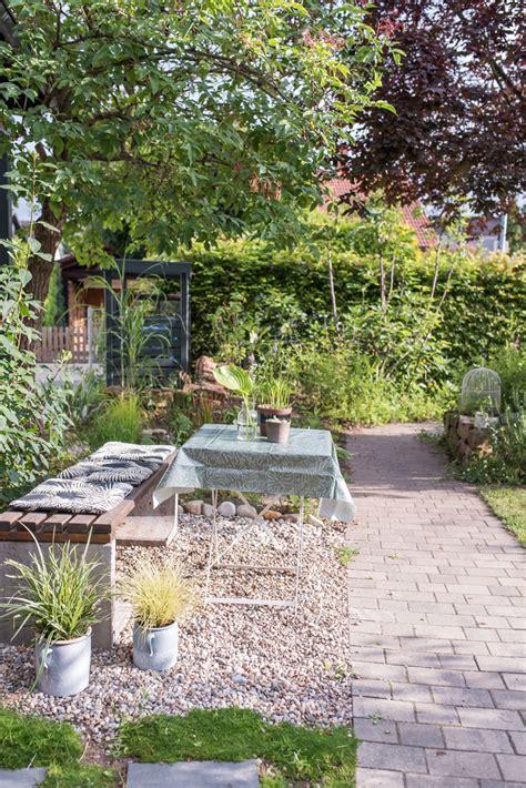 Morgens Im Garten  Leelah Loves