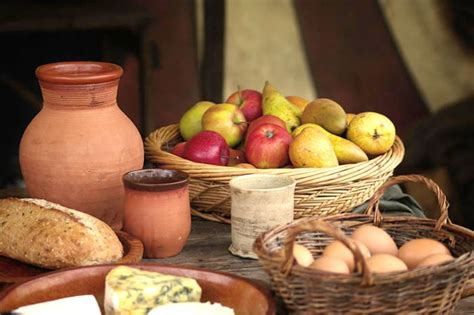 cuisine renaissance fruits and mead historical feast