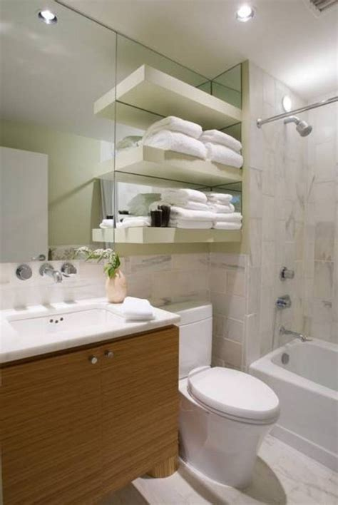 Shower Designs For Small Bathrooms by 25 Best Small Bathroom Ideas On Tiles