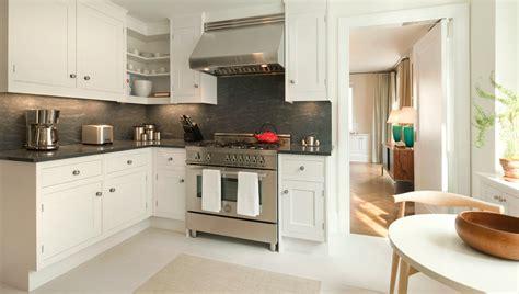 pretty kitchen cabinets kitchen black corian counter white cabinet black tile 1647