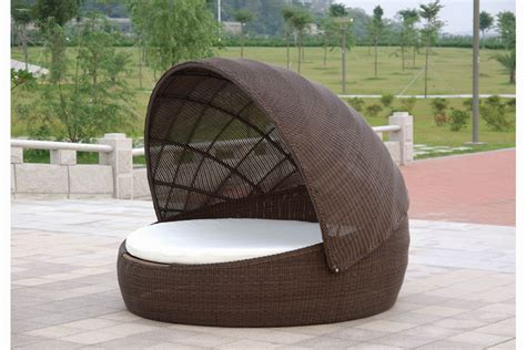 Round Chaise Lounge Outdoor Photo