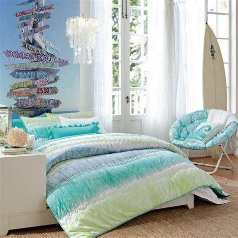 chambre ou idée déco chambre ado autour du surf et de la mer