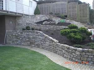 Muschelkalktrockenmauersteine natursteine trockenmauer for Französischer balkon mit obi natursteine garten