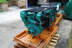 Volvo Penta D6-310 Marine Engine With Dph Drive  Transom  Controls  Wiring