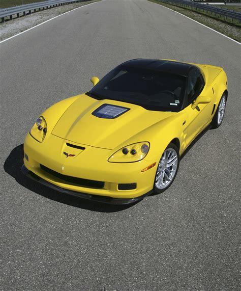 Corvette Zr1 Vs by 2012 Nissan Gt R Vs Chevrolet Corvette Zr1