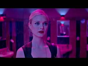 The Neon Demon new clip official - 3 of 3