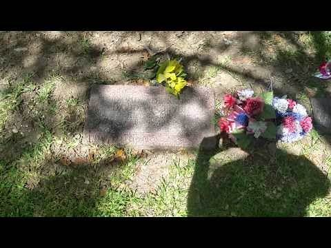 Von Erich's Family Gravesites- Dallas (Grove)
