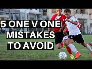5 Mistakes Soccer Players Make While 1v1 VS A Defender