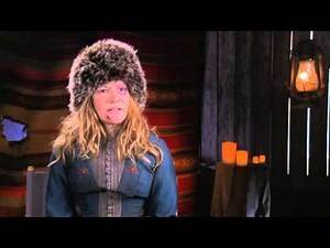 "The Hateful Eight: Jennifer Jason Leigh ""Daisy Domergue"" Behind the Scenes Interview"