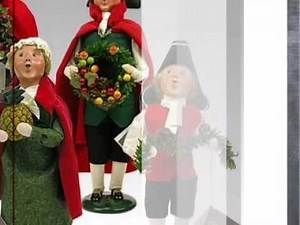2012 Williamsburg Colonial Carolers Family by Byers Choice - AtopTheTable.com