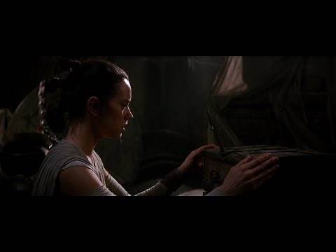 Star Wars: TFA - Rey + Anakin/Luke's lightsaber