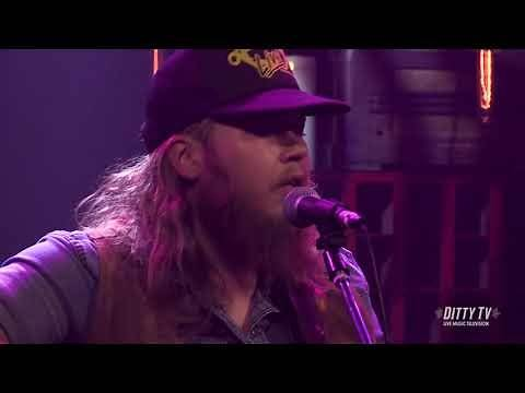 "The Steel Woods perform ""Rock That Says My Name"" on DittyTV"