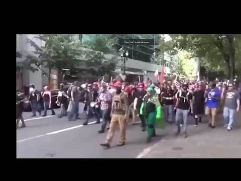 Graphical warning ⚠ Patriots kicking Antifa ass. Many knock out. 60 people fight.