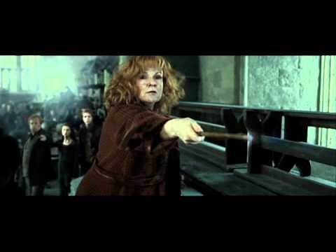 Harry Potter and the Deathly Hallows part 2 - Bellatrix Lestrange v.s. Molly Weasley (HD)