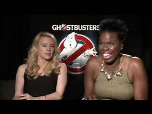 "Ghostbusters: Leslie Jones ""Patty Tolan"" & Kate McKinnon ""Jillian Holtzmann"" Official Interview"