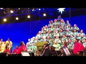 Gary Sinise gets a standing ovation at the Candlelight Processional at Epcot