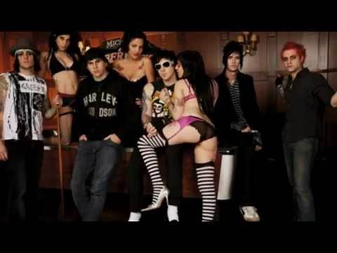 Avenged Sevenfold - Hail to the King ( Video Clipe)