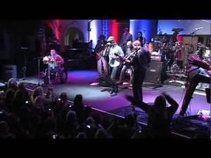 Cpl. Juan Dominguez, Triple-Amputee Plays the Bongos with Gary Sinise...