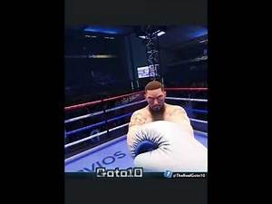 Boxing in virtual reality with CREED through the Oculus Quest 2 #shorts #oculus