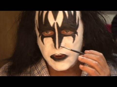 Behind the scenes with KISS