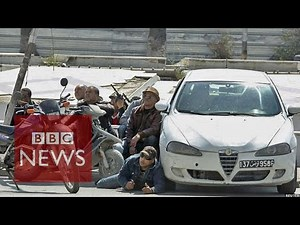 Tunis shooting: Latest video shows tourists running from museum - BBC News