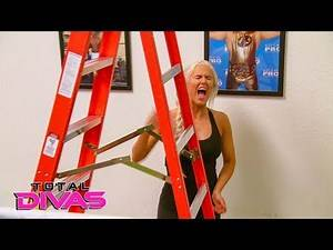 Daniel Bryan coaches Lana on how to compete in a Ladder Match: Total Divas Preview, Oct. 31, 2018