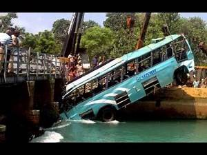 [ SHOCKING VIDEO ] Amazing Truck Accidents Compilation In India