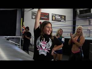 """Superstars for Kids auction winner Lindsey becomes a """"Diva for a Day"""""""