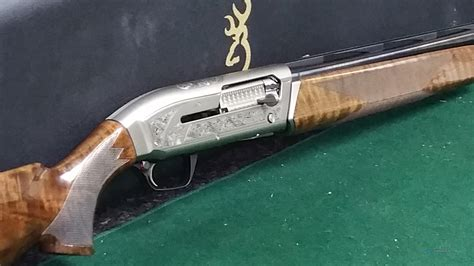 12 Gauge Autoloading Shotgun MaxUs - Browning Com