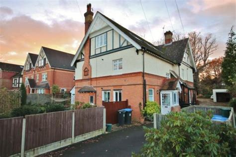 2 Bedroom Flats To Rent In Woking Iphone Wallpapers Free Beautiful  HD Wallpapers, Images Over 1000+ [getprihce.gq]