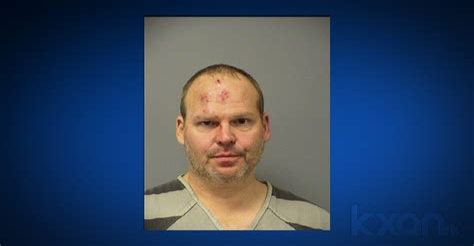 2 Cops Shoot Man With Shotgun Iowa