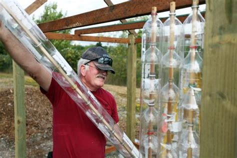 2-Liter-Bottle-Greenhouse-Plans