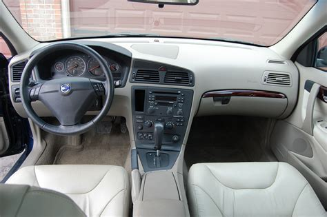 2004 Volvo S60 Interior Make Your Own Beautiful  HD Wallpapers, Images Over 1000+ [ralydesign.ml]