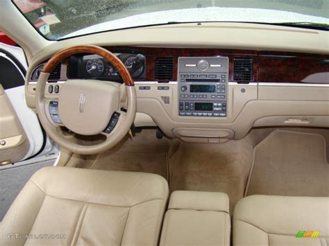 2011 Lincoln Town Car Interior Make Your Own Beautiful  HD Wallpapers, Images Over 1000+ [ralydesign.ml]
