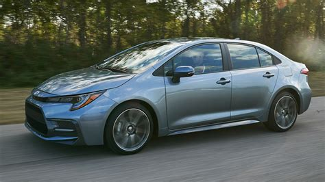 2020 Toyota Corolla Shames Luxury Sedans With Standard