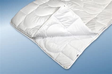 4 Jahreszeiten Bettdecke 155x220