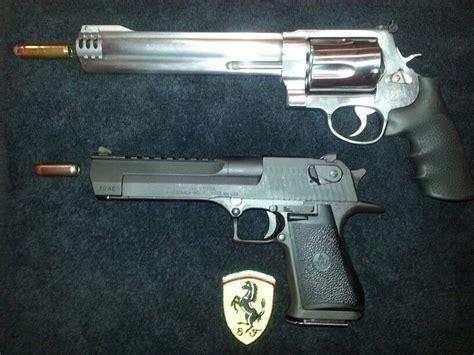 Desert-Eagle 44 Revolver Vs 50 Cal Desert Eagle.