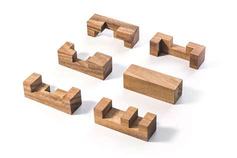 6 piece wooden puzzle Image