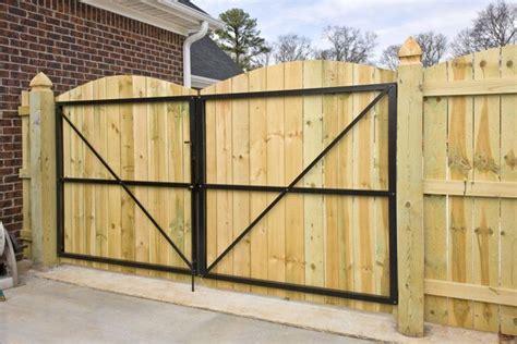 8-Ft-Wooden-Gate-Plans