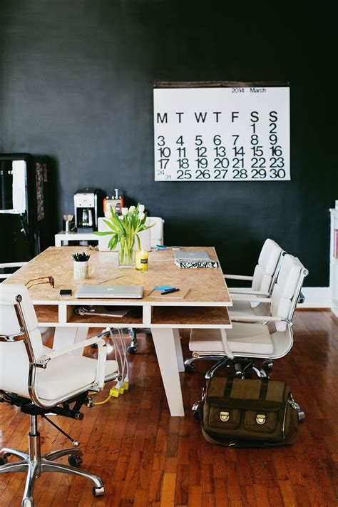 A-Beautiful-Mess-Diy-Desk
