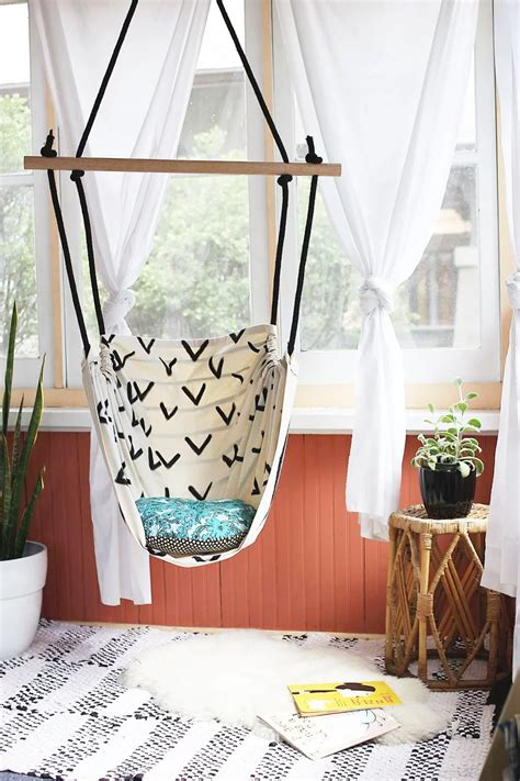 A-Beautiful-Mess-Diy-Hammock-Chair