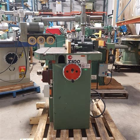 About-Feeder-Woodworking-Machine-Makers
