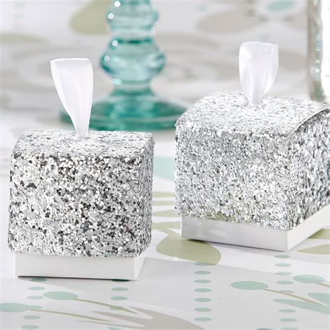 Add Glitter to Your Wedding Celebration with Bridal Accessories