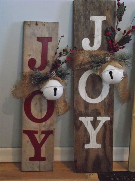 Adhesive-Christmas-Wood-Projects