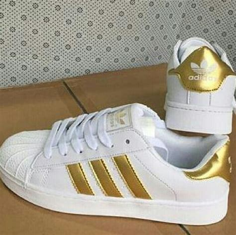 Adidas Sneakers Gold Stripes